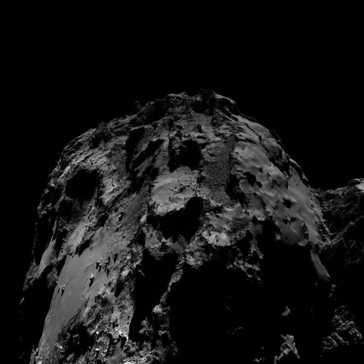 comet_on_10_august_2016_osiris_wide-angle_camera_fullwidth